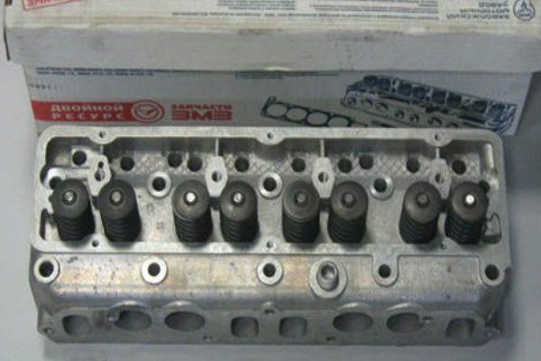 golovka bloka cilindrova zmz 402 600x400 - Головка блока цилиндров (ГБЦ) ЗМЗ-402